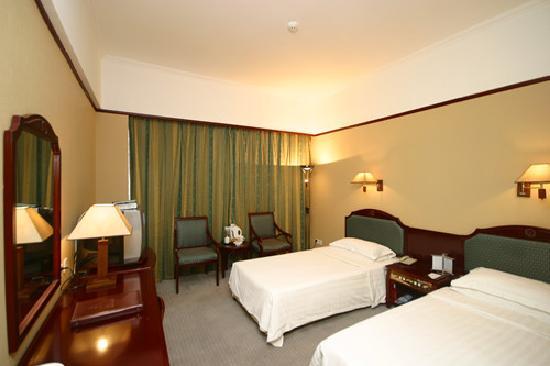 Baiyulan Chengshi Hotel: 标准间