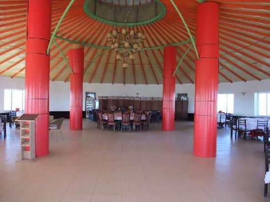 Xinba'erhuyou Qi, จีน: 能容纳300人同时用餐的大蒙古包