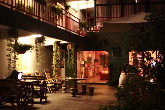Hidden Garden International Youth Hostel: 650__pic_1_110901115530