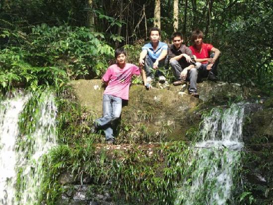 Jiulong Waterfalls of Guangxi: 120
