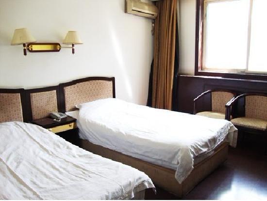 Kaiteng Hotel : 标准间