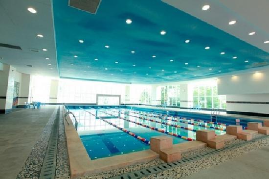 Jinshuiwan Holiday Village: 室内游泳池