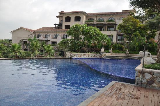 Mayland Resort Hotel