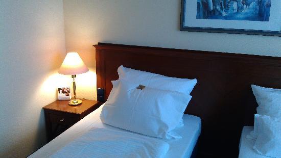 H4 Hotel Kassel: 房间