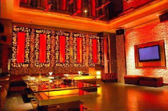 Boyue International Hotel Dongguan Houjie Wanda Plaza: 豪华KTV房