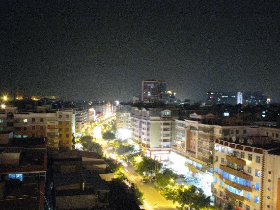 Hui An Dapeng Hotel: 从房间看小城的夜晚
