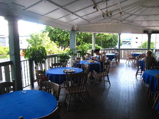 Hides Hotel Cairns: 美好的一天从阳光早餐开始