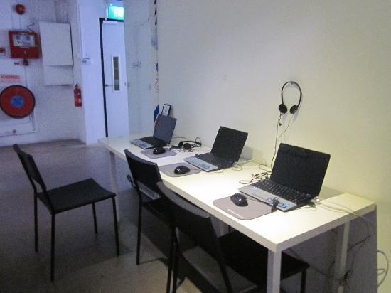 Wink Hostel: 电脑上网区