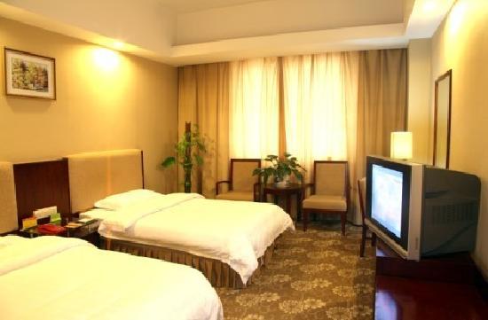 Guo Long Hotel: getlstd_property_photo