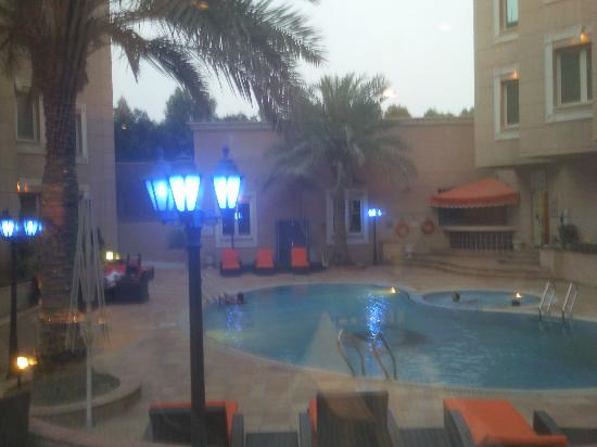 Holiday Inn Al Khobar: 酒店泳池