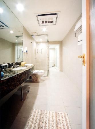 Xi Shan Hotel: 卫生间