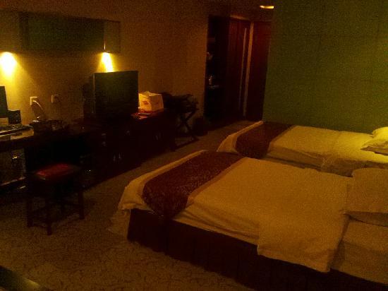 Tongchuan Hotel (No.32 Hongqi Street)
