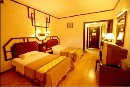 Baofeng Hotel: 酒店标间