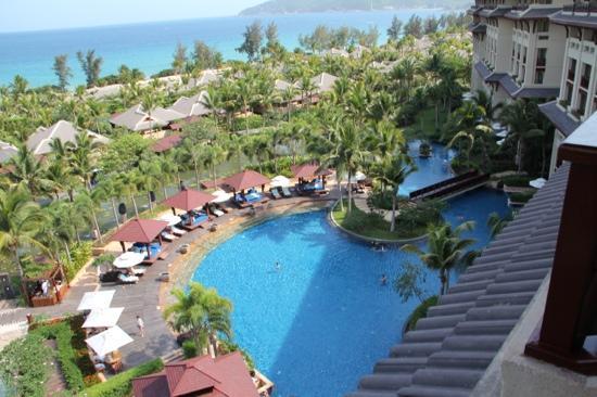 The Ritz-Carlton Sanya, Yalong Bay: 漂亮的泳池