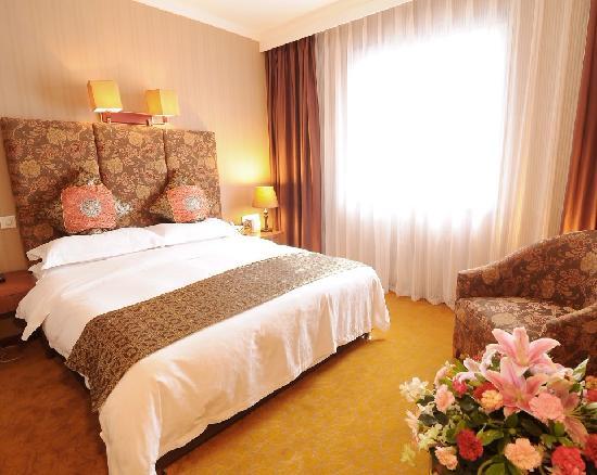 Pretty Tianfu Hotel: 豪华单间