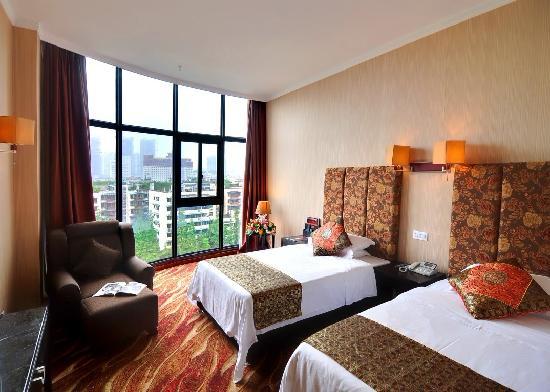 Pretty Tianfu Hotel: 行政标间