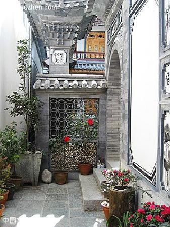 Dali Zongshuyuan Inn: 客栈亭径