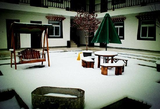 Shengjinglinka Manor: 幽静的庭院