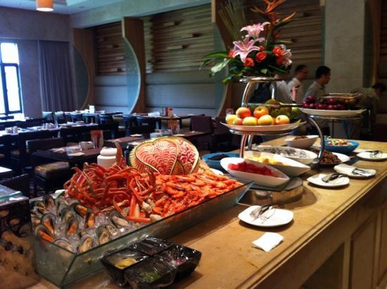 Wuyi Mountain Dahongpao Resort: 自助餐
