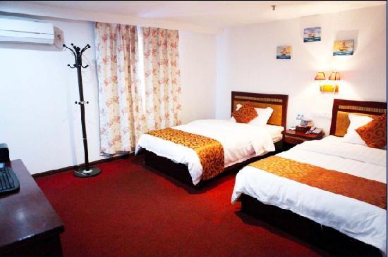 Yanlu Hotel: 标准双床房