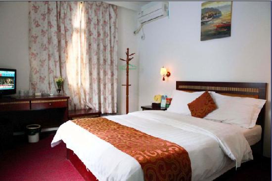 Yanlu Hotel: 标准大床房