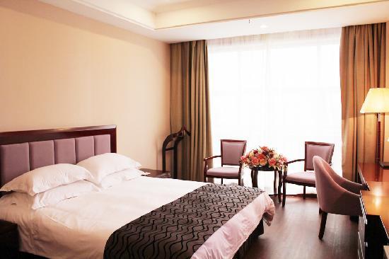 Ji'an Hongtai International Hotel: 标准大床房