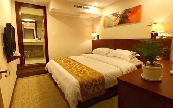 Longrongle Hotel: 特色大床房