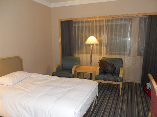 Santos Hotel: 床不是很大,但很舒服