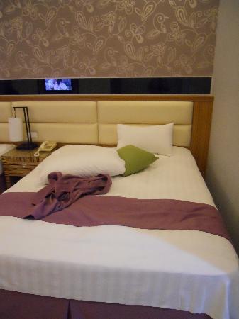 Uni Resort-Kenting : 超大的床