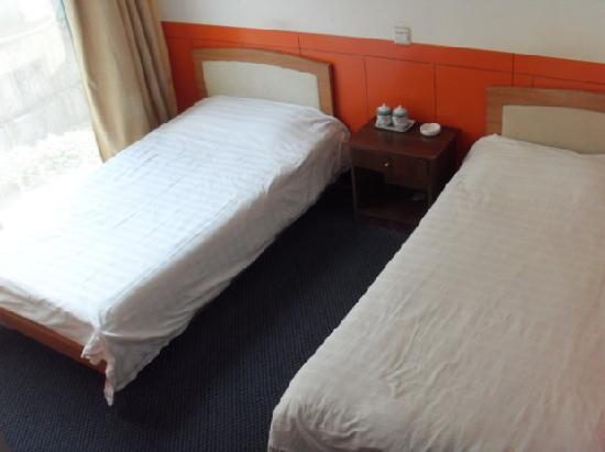 Yunlai Hotel : 标准双床
