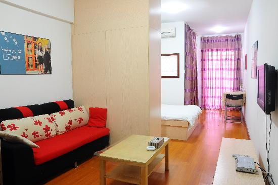 Private-Enjoyed Home Guangzhou Shangde Apartment: 豪华大床房