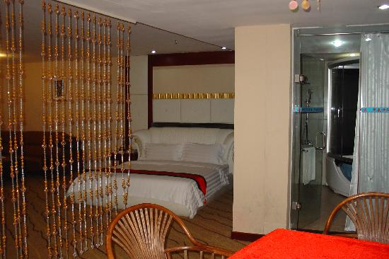 Huaxia Century Business Hotel: 客房