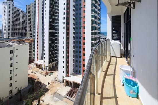Lvjia Holiday Apartment: 视野开阔的长型阳台