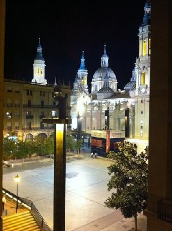 Apartamentos Sabinas El Pilar: 夜景