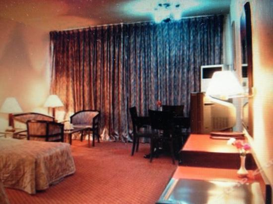Lushan Hotel (Hexi Road) : 大标间