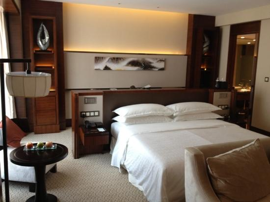 Sheraton Hefei Xinzhan Hotel : 工作室套房