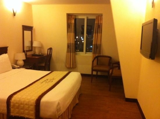 Dalat Plaza Hotel: 大床房