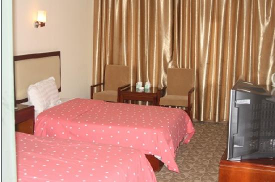 Xinyun Baifenbai Hotel