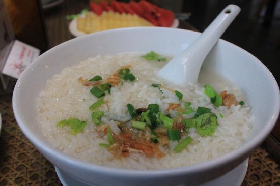 Chompor Lanna: 早饭就一晚美味的菜泡饭