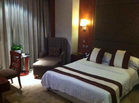 Yanshan Hotel: 新装修后的大床房