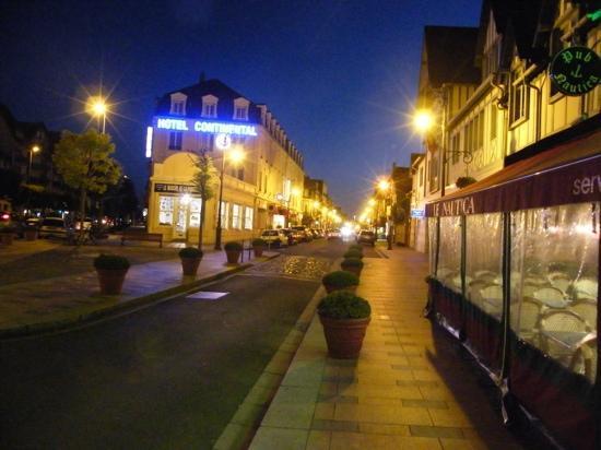 Inter Hotel Continental : 夜景