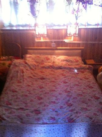 Gulou Inn: 客栈大床房