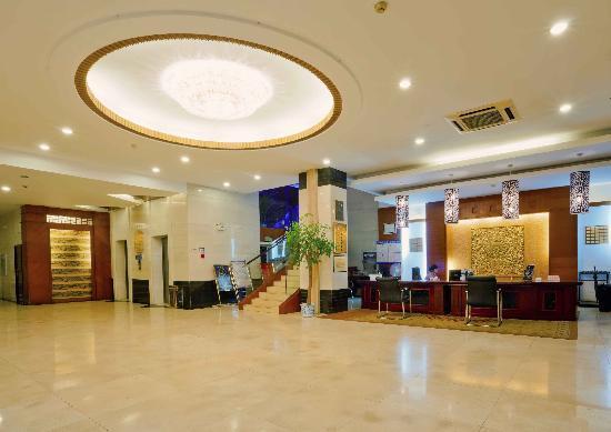 Oriental Holiday Hotel