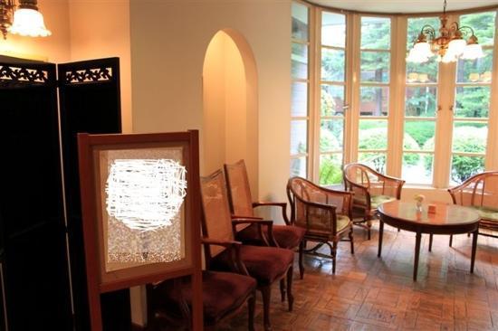 Kyu-karuizawa Hotel Otowano-mori: 会客区
