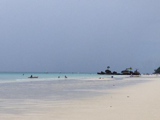 Beachcomber Resort Boracay: 酒店门口的海滩