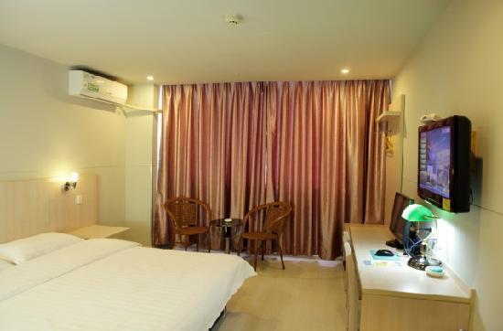 Home Boutique Inn Xiamen Lianban Mingfa Business Plaza: 商务大床房