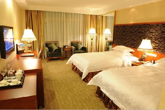 Minzu Hotel : 豪华双人房