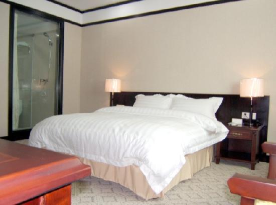 Jurong Hotel: 大床房