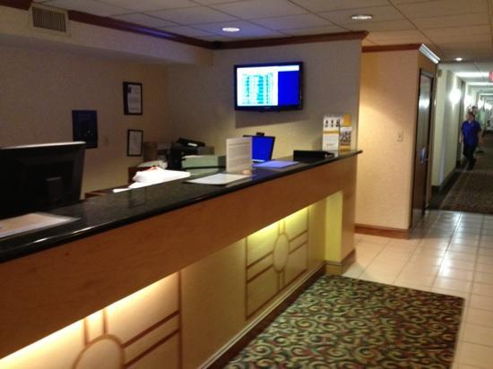 Comfort Inn Dulles International Airport: 酒店大堂
