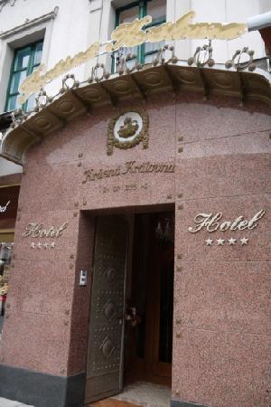 The Beautiful Queen Hotel: kv